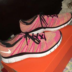 Nike free flynit